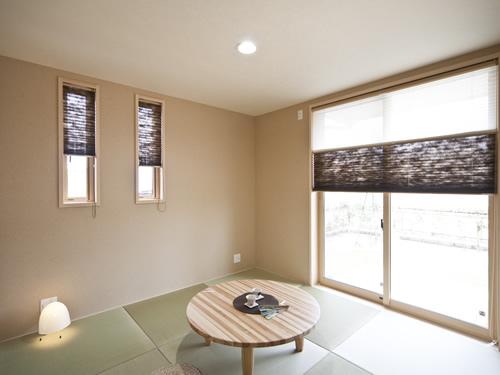 「吸放湿性による調湿作用」と「通気性による透湿作用」のある壁紙のメリット. アイウォールの施工例